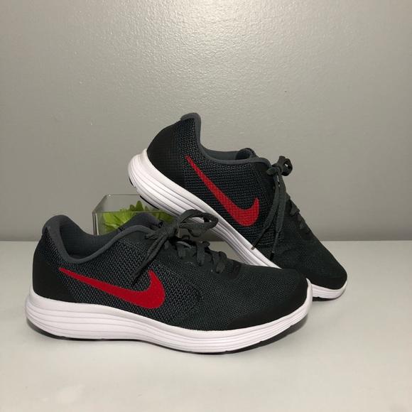 Nike Revolution 3 GS Big Kids 6Y NWT
